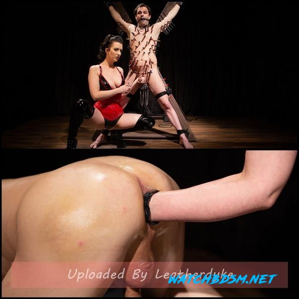 slave's screams - A Divine New Years: Cherry Torn celebrates - HD