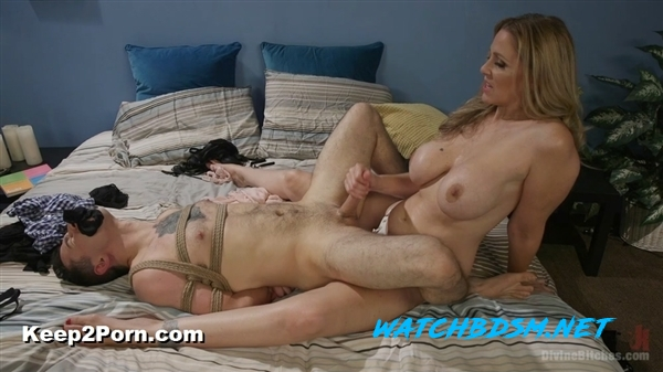 Julia Ann, Corbin Dallas - Mommy's Little Pervert - HD - DivineBitches, Kink