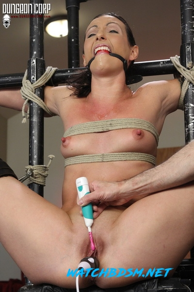 Wenona Slave - Split and Tortured - HD - Strict Restraint